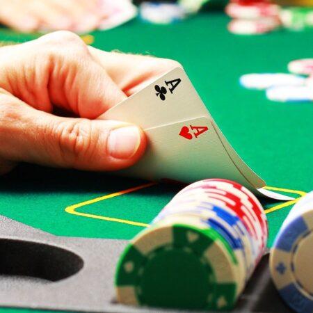 Poker là gì? Hướng dẫn chơi Poker cho tân thủ